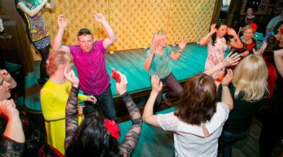 Meeskonnakoolitus tantsuõpetus